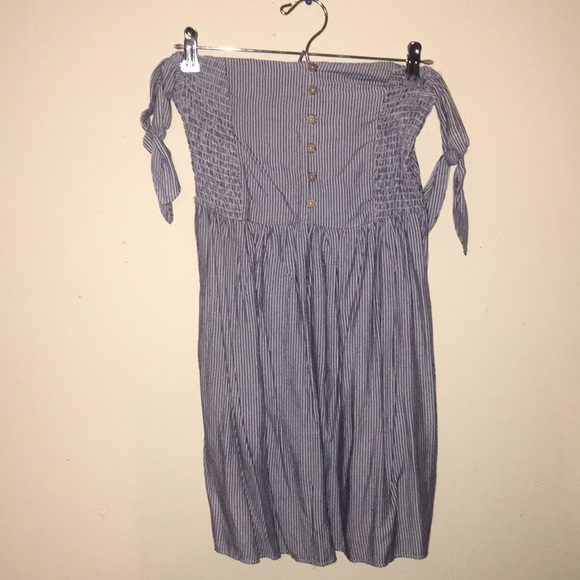 e3919347df04 American Eagle Outfitters Dresses   Skirts - AE off the shoulder seersucker  striped dress